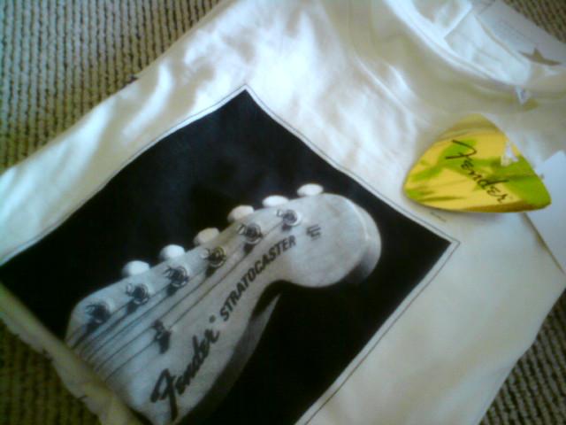 FenderのTシャツと、最終日のsymmetry<br />  。